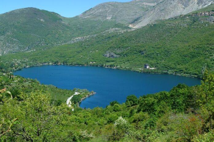 Scanno panorama lago 04