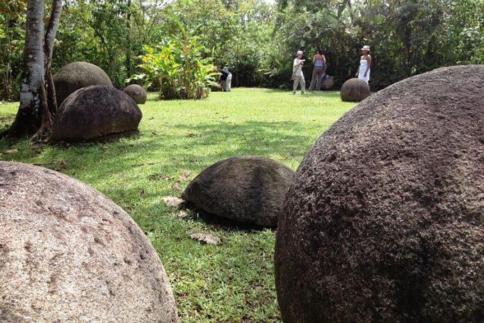 sfere pietra costa rica