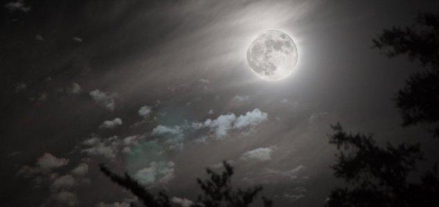 La Luna potrebbe essere un satellite artificiale