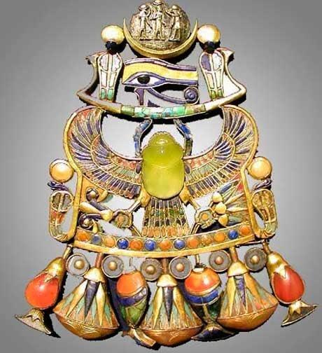 Tracce di una cometa nei gioielli di Tutankhamon