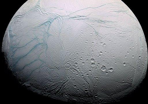 Vita possibile su Encelado, luna di Saturno