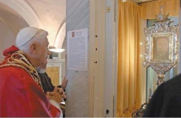 Papa-Benedetto-Velo-Veronica