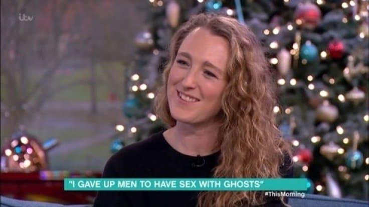 Una donna inglese afferma di avere avuto rapporti sessuali con 20 fantasmi