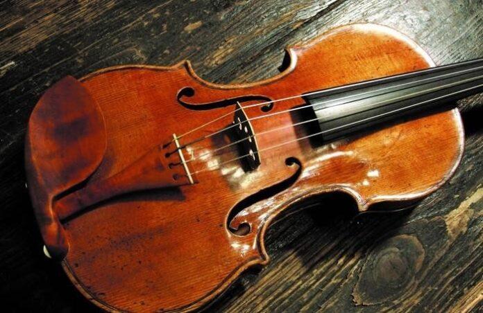 violino nero stradivari leclair